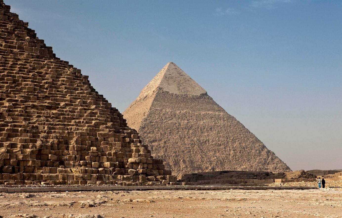 C:\Users\Shrutika Yadav\Desktop\pyramids-of-giza.jpg